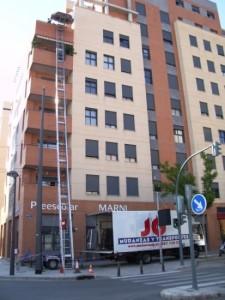 grua-elevadora-ocho-pisos-viviendas-aticos-pisos-altos